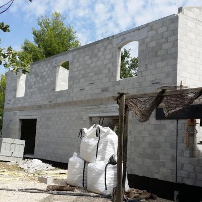 Projet d'extension d'un bâtiment à Grambois (84)